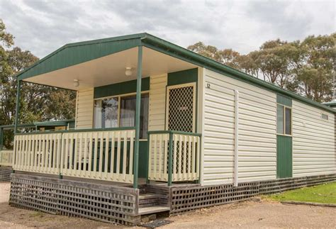 Riverview Cabins by Riverview Cabins Lealow