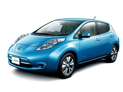 electric cars nissan to make history with delivery of europe s first 100