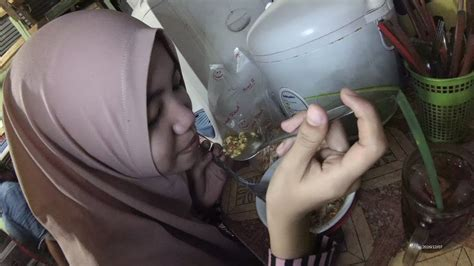 indonesia jakarta street food  cirebon bone noodles