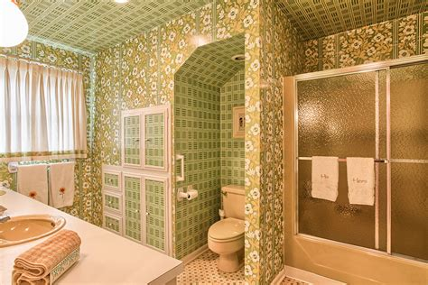 vintage bathroom wallpaper 1000 images about bed bath and before on pinterest