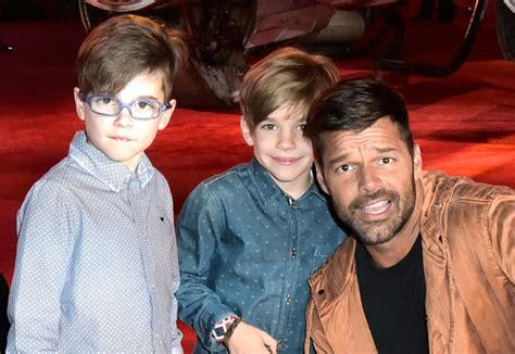 9 Celebridades posando orgullosamente junto a sus hijos Mama De Los Hijos De Ricky Martin
