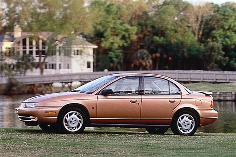 1997 saturn wagon 1996 02 saturn sedan wagon consumer guide auto