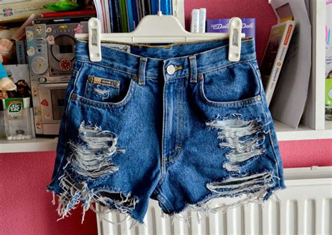diy distressed shorts tutorial diy with elli do it yourself tutorials inspiration 19 diy how to make distressed