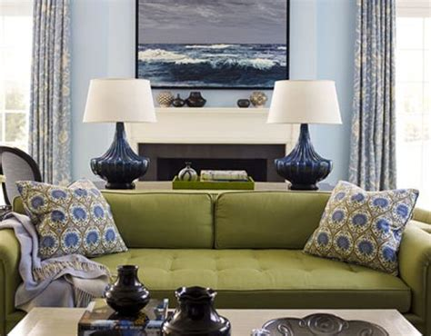 green sofa living room ideas 25 best ideas about olive green couches on olive green rooms green living room