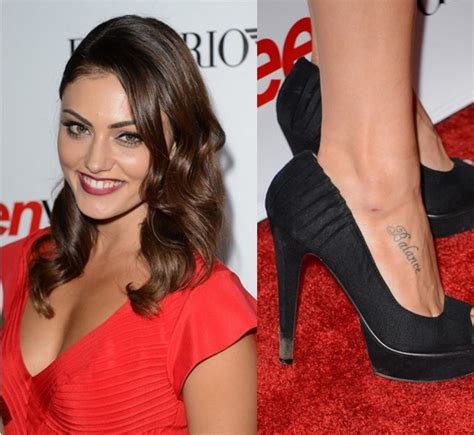 phoebe tonkin s tattoos lettering tattoo on foot