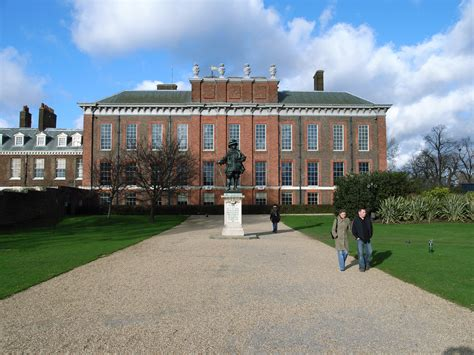 kensington palace apartments royal couple stepped into their new home extravaganzi
