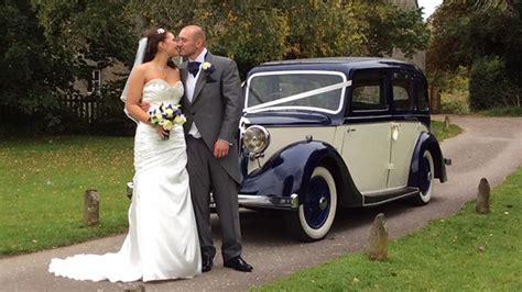 Wedding Car Oxford by Classic Daimler Limousine Wedding Car Witney Oxfordshire
