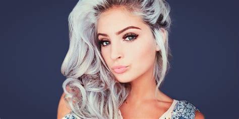 imgenes de cabellos teidos de gris tips de maquillaje para chicas con cabello gris
