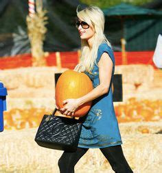 cuero pumpkin patch the many bags of blake lively 18 valentino demetra tote