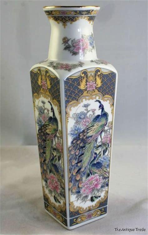 1970s porcelain peacock vase japanese satsuma