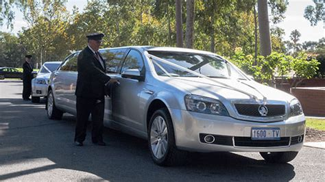Wedding Car Adelaide by Wedding Car Hire Adelaide In Vogue Limousines