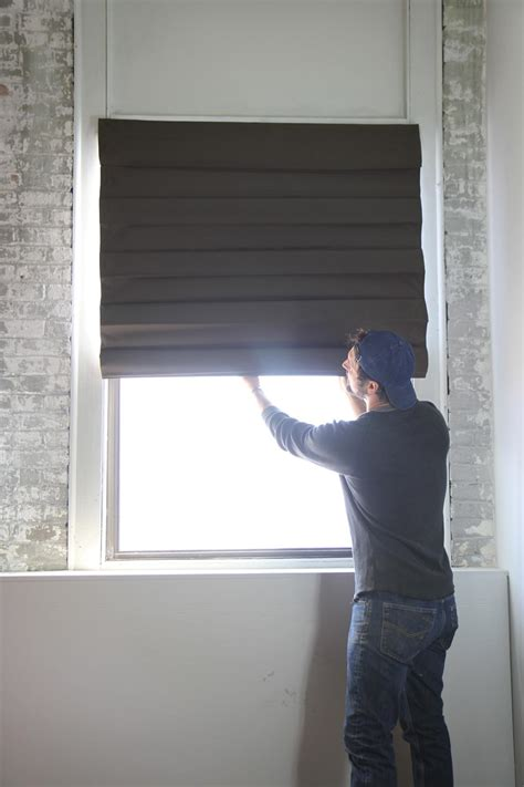 Diy Hanging L Shade by How To Hang A Shade How Tos Diy