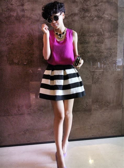 Foreign Label Stripe Knit Skirt In 2 Colors 1 style on fifth black white horizontal stripe skirt
