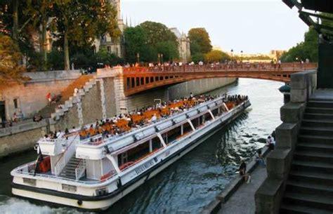 bateau mouche dejeuner d 233 jeuner croisi 232 re bateaux mouches office de tourisme