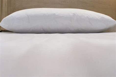 almohadas buenas para dormir almohada viscoel 225 stica almohada cervical almohadas