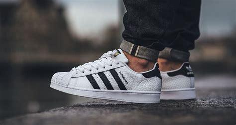 Adidas Superstar Cowok Premium White 1 adidas superstar animal white black kicks