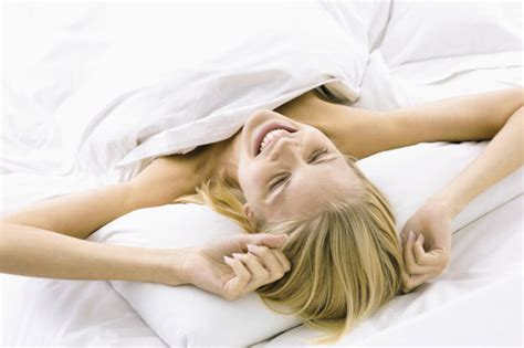 tips for women in bed how to have an orgasm 10 tips to help make a woman reach