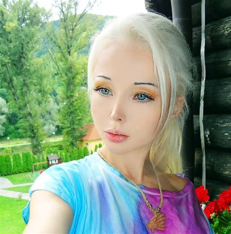 Google Snapshots by 187 Valeria Lukyanova Human Barbie Pics