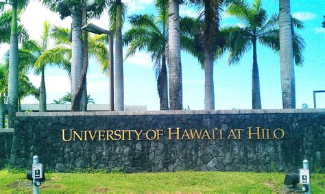 Mba Rankings Of Hawaii by Of Hawaii At Hilo Sat Scores Costs More