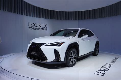 lexus crossover tiny funky 2019 lexus ux crossover debuts 5 things you