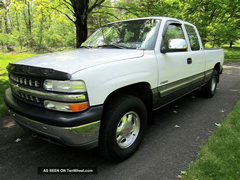 1999 Chevrolet Silverado 1500 Ls Club Cab With 4x4 Pickup