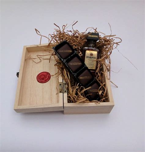 disaronno miniature and chocolates wooden gift box the