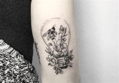 bumble bee tattoo meaning 25 beautiful bee meaning ideas on bee