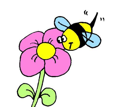 disegno di un fiore disegno ape con un fiore colorato da utente non registrato