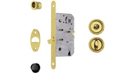 porta bloccata serratura porta scorrevole bloccata pannelli termoisolanti