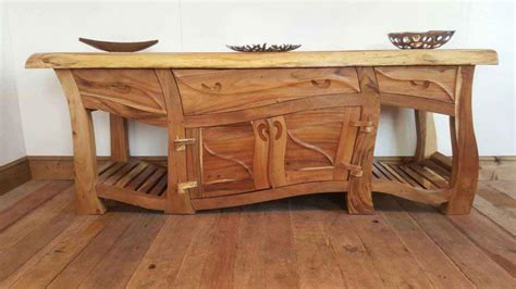 advantages disadvantages of solid wood furniture