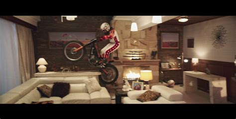 budget direct house insurance captain risky gives tour of his house in latest budget direct ad