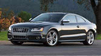 audi s5 side pose in grey wallpaper