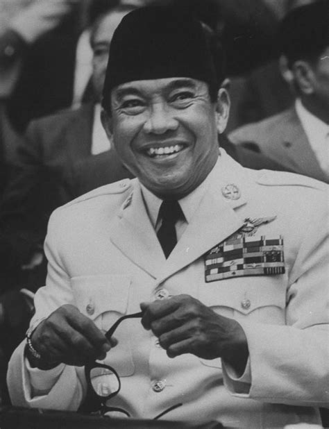 biography about ir soekarno soekarno biographie