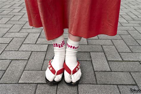 japanese sandal japanese sandals with socks tokyo fashion news