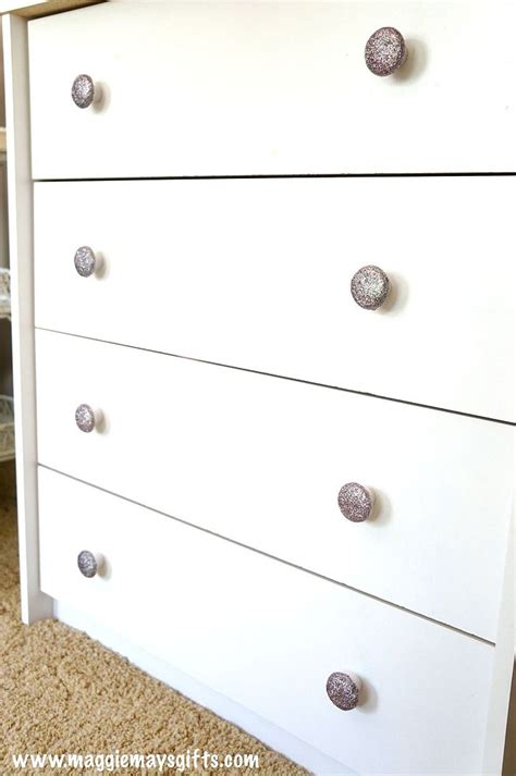 Cheap Diy Dresser by Hometalk Diy Glitter Dresser Knobs Easy And Cheap