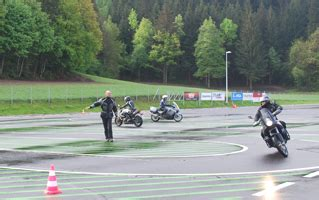Motorrad Magazin Die Kurve by 1 1000ps Usertraining Event