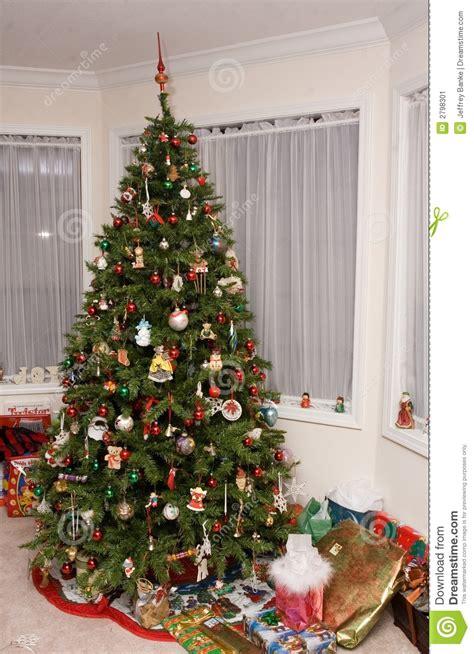 traditioneller weihnachtsbaum stockbild bild 2798301