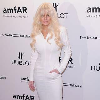 Prada Miu Miu Lindsay Lohan For Miu Miu Ad Caign Pictures by Lindsay Lohan Picture 445 Lindsay Lohan Leaves Miu Miu