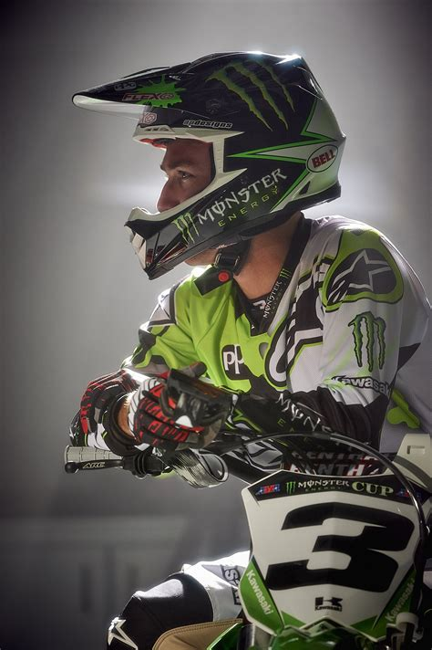 kawasaki motocross helmets bell helmets signs sx and mx chion eli tomac dirt