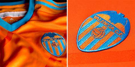 Jersey Valencia Away No Sponsor valencia unveil 2014 15 home away jerseys soccer365