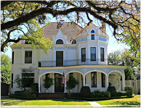 Cottages And Mansions by New Orleans Homes And Neighborhoods 187 New Orleans Homes