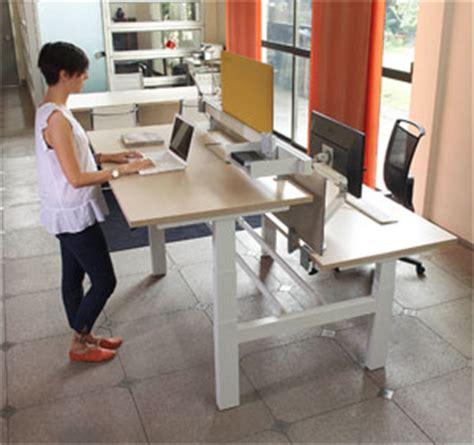 scrivania regolabile in altezza la scrivania regolabile in altezza rende pi 249 sani ed