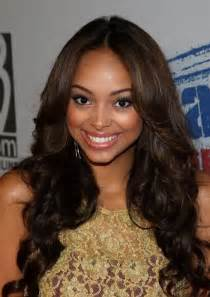 cute center part hairstyles for african american