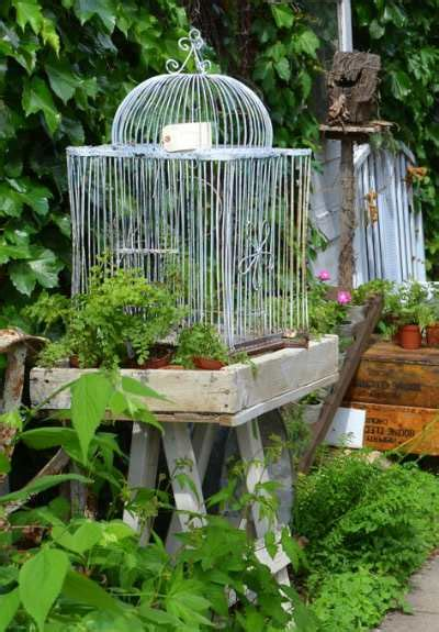 Backyard Items by Diy Backyard Decorate With Repurposed Items Birds And