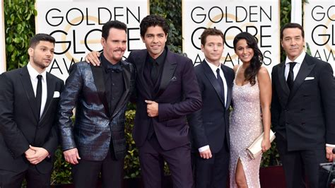 golden globes entourage cast filming   sundays