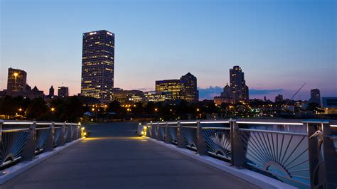 milwaukee wi pictures posters news and videos on your