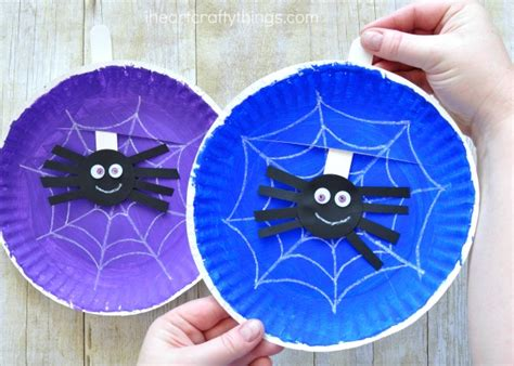 Paper Plate Spider Craft - simple and playful spider web craft i crafty things