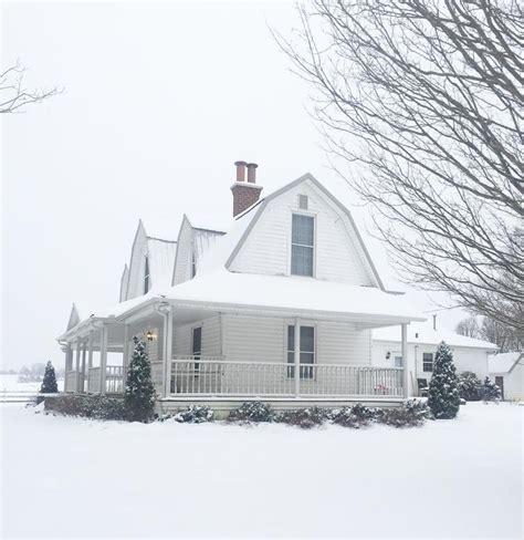 best 25 gambrel barn ideas on pinterest gambrel the 25 best gambrel roof ideas on pinterest small barn