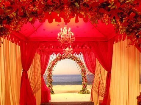 12 Breathtaking Wedding Entrances   Sugar Weddings & Parties