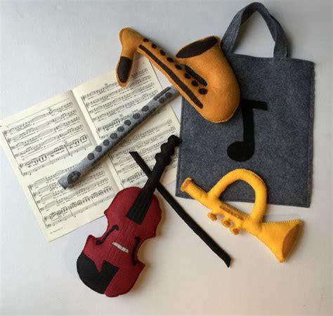 felt violin pattern 29 best where s the keys images on pinterest key fobs